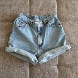 Wrangler vintage high waisted shorts